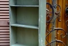House_shaped_shelf